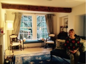 Executive host family -hostess and living room
